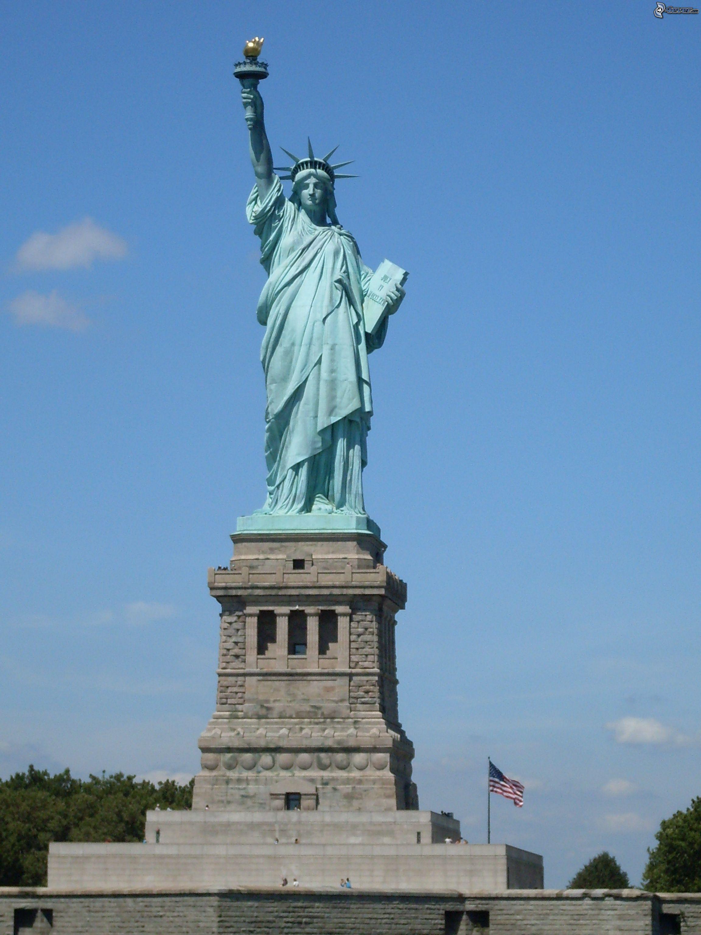 En un lugar de la mancha spanishdict answers for Interior estatua de la libertad