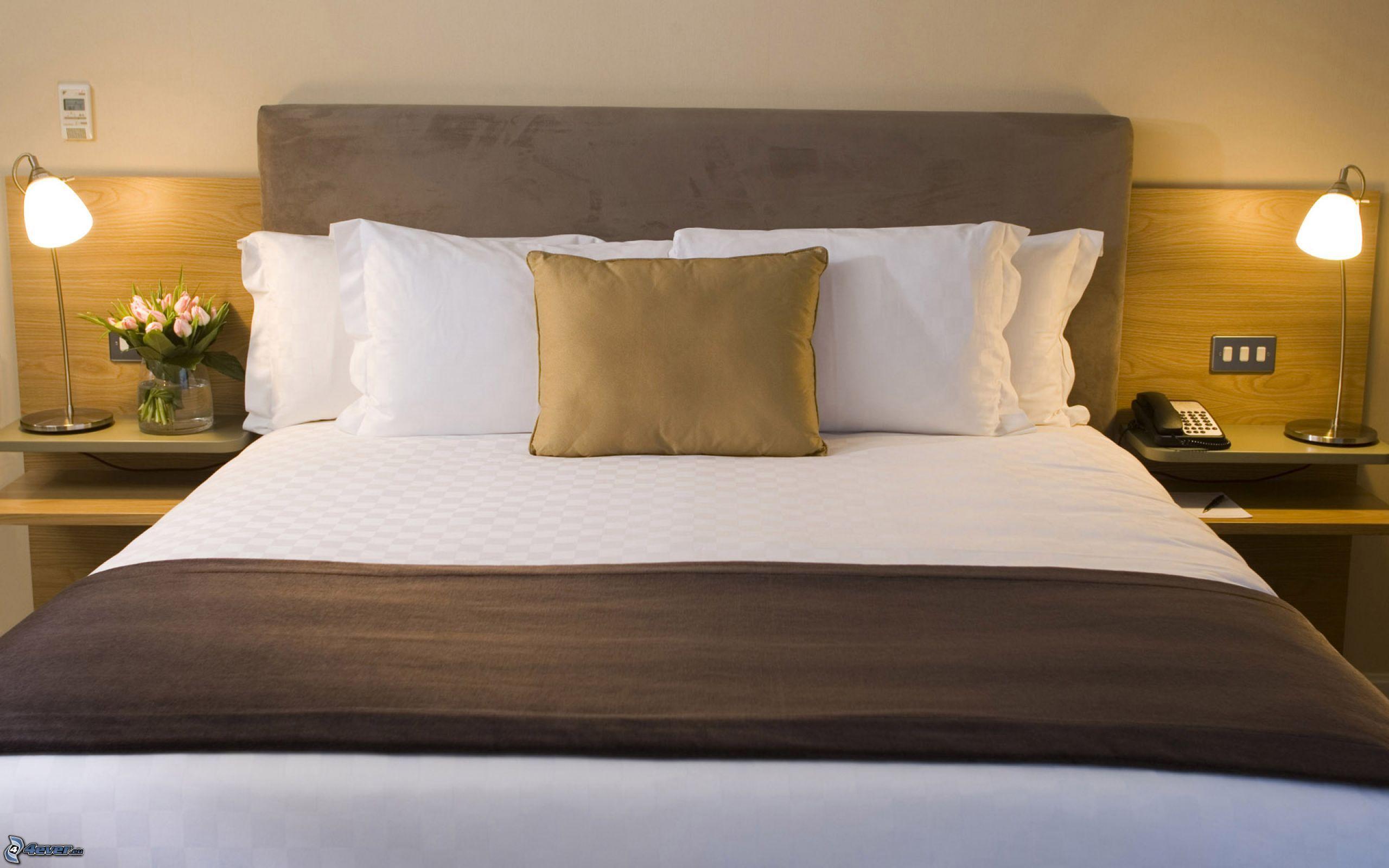 Cama doble - Almohadas para cama ...