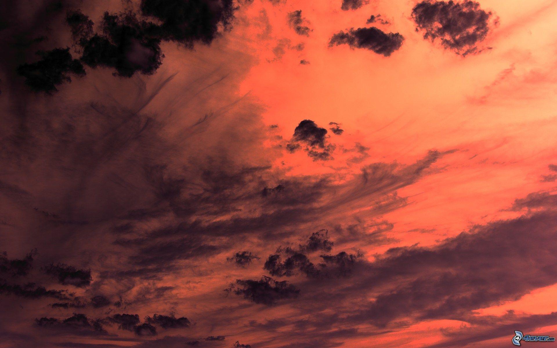 Descargar 2560x1440 Cielo Claro Sobre Las Montañas Nevadas: Cielo Rojo